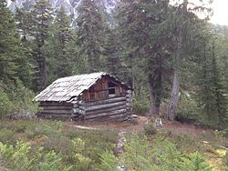 Necklace Cabin